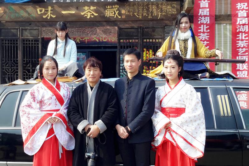 """动静总相宜 车茶一味心--访湖北茶人""""亚洲车神""""曾凡仁.."""